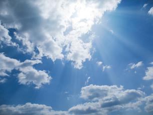 青空と太陽の写真素材 [FYI00542170]