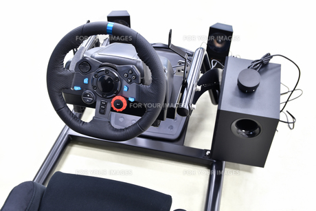 ドライビングシュミレーターの写真素材 [FYI00542373]