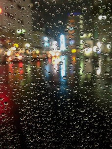 雨粒の写真素材 [FYI00542754]