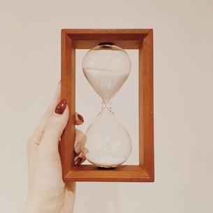 砂時計の写真素材 [FYI00542757]