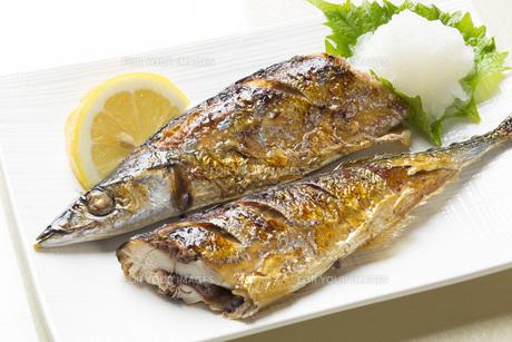 秋刀魚の塩焼きの写真素材 [FYI00542841]