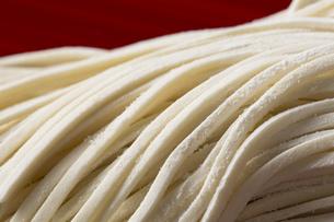 うどんの生麺の写真素材 [FYI00543787]