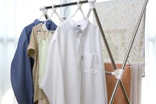 洗濯物の部屋干しの写真素材 [FYI00543883]