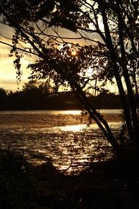夕暮れの川の写真素材 [FYI00544405]
