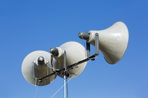 防災無線屋外スピーカーの写真素材 [FYI00545147]