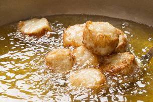 シュウマイの料理シーンの写真素材 [FYI00545230]