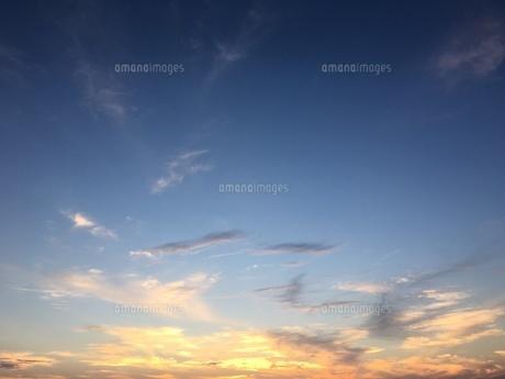 夕焼け雲の写真素材 [FYI00545271]