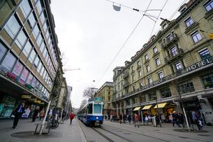 スイス・チューリッヒ市街の写真素材 [FYI00545586]