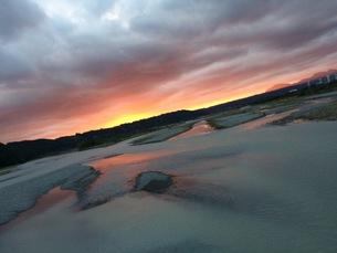 大井川の夕日の写真素材 [FYI00546818]