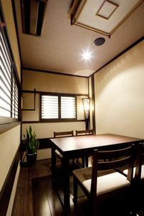 日本料理店の店内の写真素材 [FYI00547474]