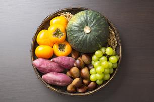 収穫の秋食材の写真素材 [FYI00547486]