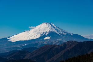 初冬の富士山の写真素材 [FYI00549504]