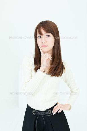 爽やかな若い女性の写真素材 [FYI00558292]
