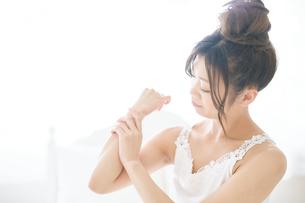 肌の綺麗な女性の写真素材 [FYI00559391]