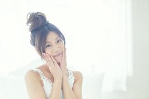 肌の綺麗な女性の写真素材 [FYI00559459]