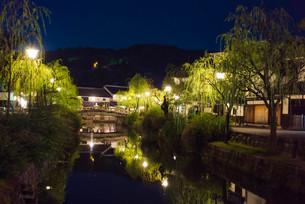 倉敷の夜の写真素材 [FYI00560410]