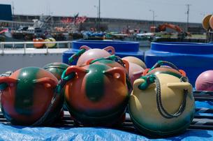 カラフルな漁具の写真素材 [FYI00562515]