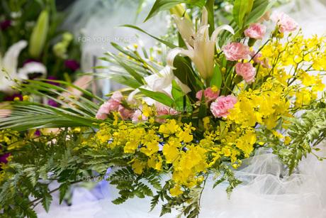 告別式の飾り花の写真素材 [FYI00564852]