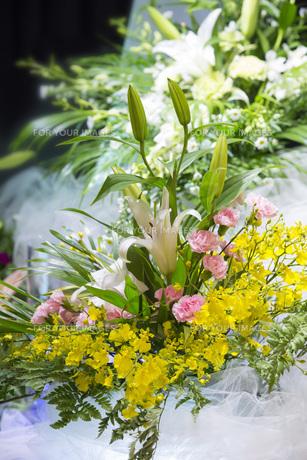 告別式の飾り花の写真素材 [FYI00564854]