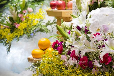 告別式の飾り花の写真素材 [FYI00564855]