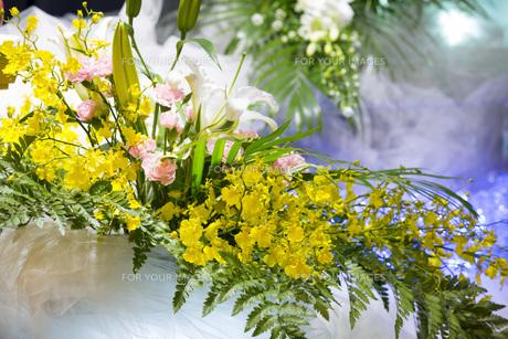 告別式の飾り花の写真素材 [FYI00564856]