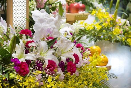 告別式の飾り花の写真素材 [FYI00564857]