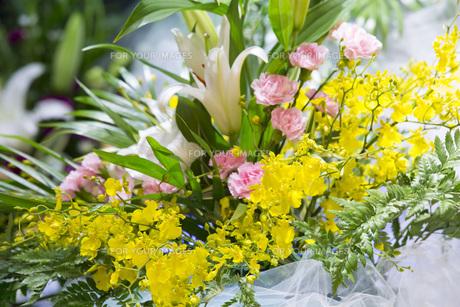 告別式の飾り花の写真素材 [FYI00564864]