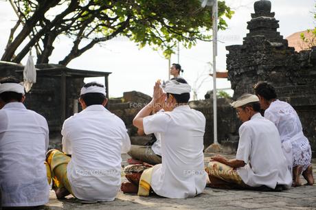 バリ島の祈りの写真素材 [FYI00566987]