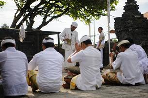 バリ島の祈りの写真素材 [FYI00566990]