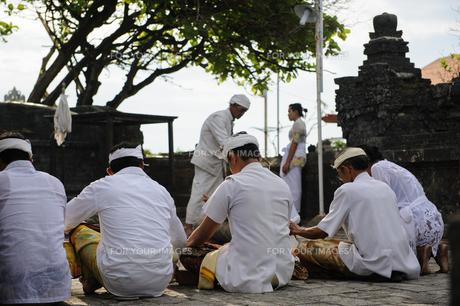 バリ島の祈りの写真素材 [FYI00566991]