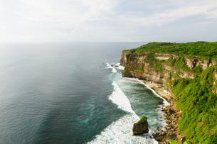 バリ島ウルワトゥ海岸の写真素材 [FYI00566994]