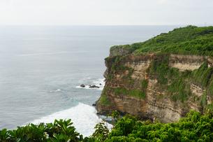 バリ島ウルワトゥ海岸の写真素材 [FYI00566997]