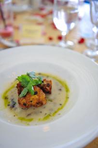 バリ島リゾートの食事の写真素材 [FYI00567028]