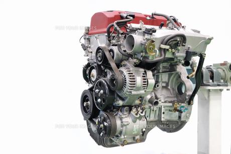 自動車エンジンの整備の写真素材 [FYI00569372]