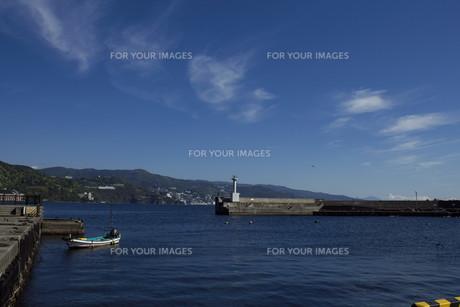 網代漁港の写真素材 [FYI00569441]