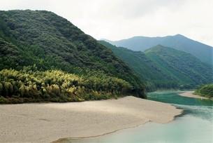 四万十川の風景の写真素材 [FYI00571814]