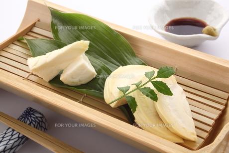 タケノコの刺身の写真素材 [FYI00571968]