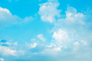 青空と雲、夏の空の写真素材 [FYI00576326]