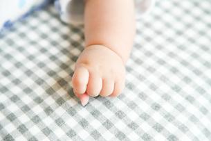 赤ちゃんの手の写真素材 [FYI00598406]