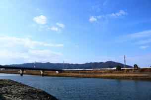 眉山と園瀬川の写真素材 [FYI00602750]