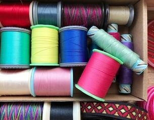 裁縫道具 針・糸・リボン の写真素材 [FYI00602802]