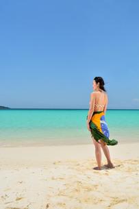 宮古島/夏の前浜リゾートビーチの写真素材 [FYI00613452]