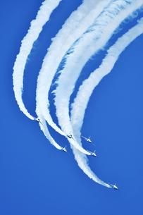 アクロバット飛行の写真素材 [FYI00613574]