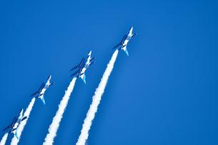 アクロバット飛行の写真素材 [FYI00613578]