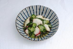 タコときゅうりの酢の物の写真素材 [FYI00618916]