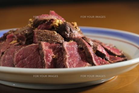 感謝の気持ち、肉の写真素材 [FYI00618996]
