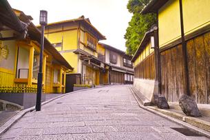 京都 八坂通の町並みの写真素材 [FYI00619019]
