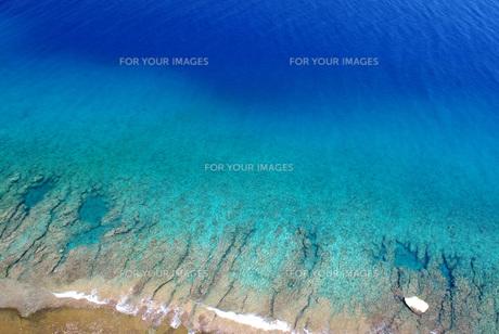グアム 恋人岬から海岸を望むの写真素材 [FYI00619438]