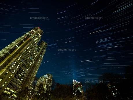 都庁と星の写真素材 [FYI00619826]