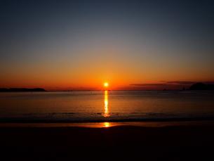 朝日と海の写真素材 [FYI00619832]